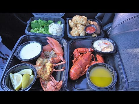 eating-a-red-lobster-feast