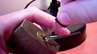 tecnica para abrir candados sin la llave...
