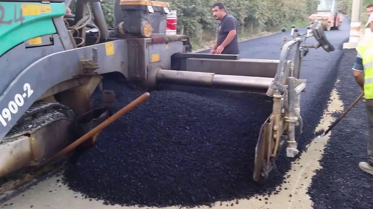 Finişer ile asfalt serimi.