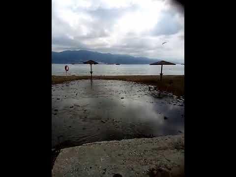 Новороссийск. Грязевой фонтан у пляжа Нептун