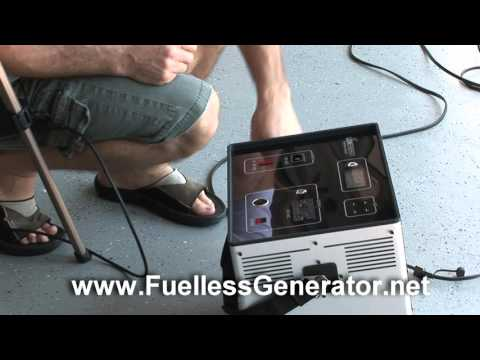 Lion Energy L-1500 Solar Fuelless Generator 3 Panel Charging