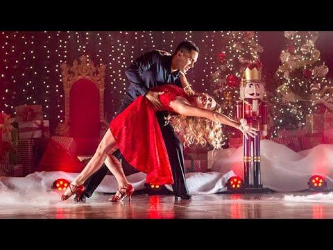 Enchanted Christmas  Stars Alexa PenaVega, Carlos PenaVega
