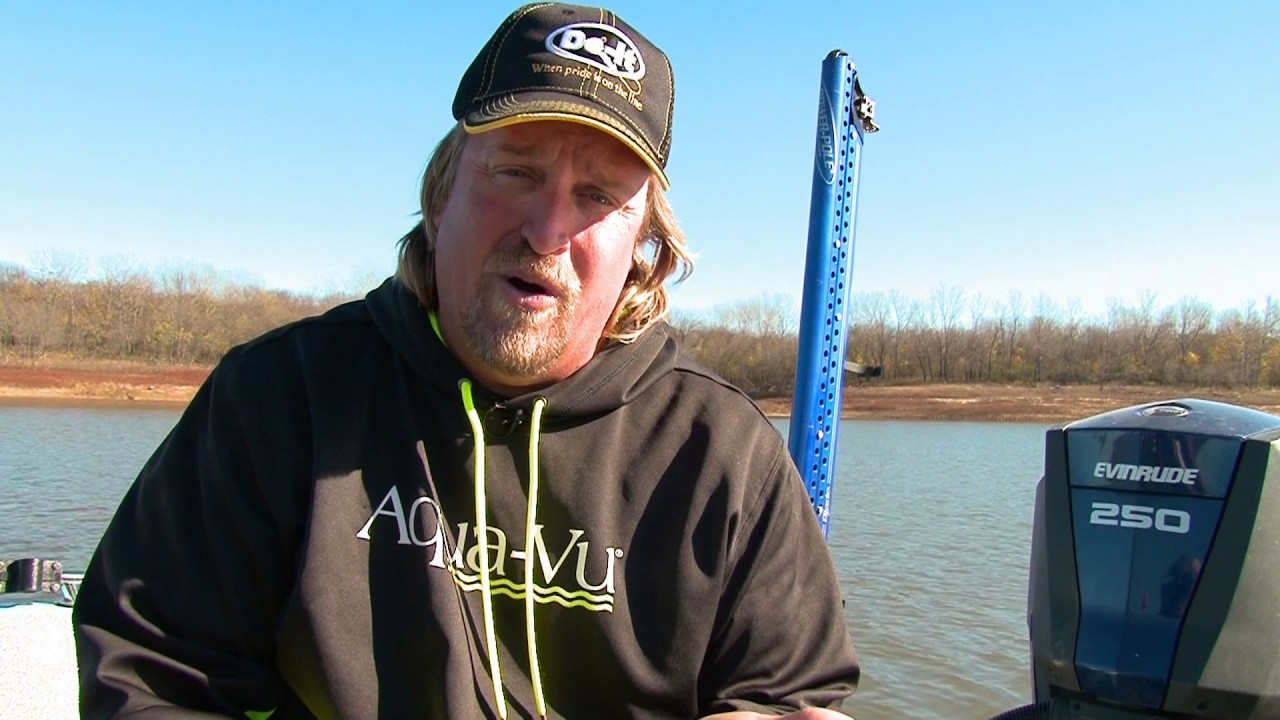 Midwest outdoors tv show 1618 iowa crappie on lake red for Ice fishing iowa