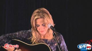 "Sheryl Crow - ""Easy"" (Live Acoustic - 26 March 2013)"
