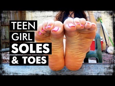 👣 MrFeetTV -  Teen Girl Soles with Pretty Toes. Sexy Bare Feet. Женские ступни и пальчики