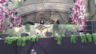 Porter Robinson - The Seconds (with Zedd - Slam The Door w/ ID) Tomorrowland 2013