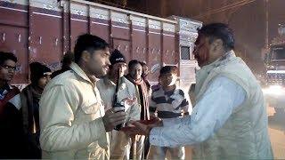 रायबरेली रतापुर चौराहा पर एक शख्स ने लगाया घंटों जाम बेबस नजर आई पुलिस जानिए क्या है पूरा मामला