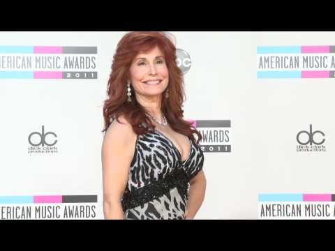 Suzanne DeLaurentiis Fashion American Music Awards 2011