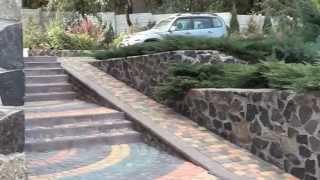 видео Террасирование склонов участка: фото, дизайн, плюсы и минусы (как сделать своими руками)