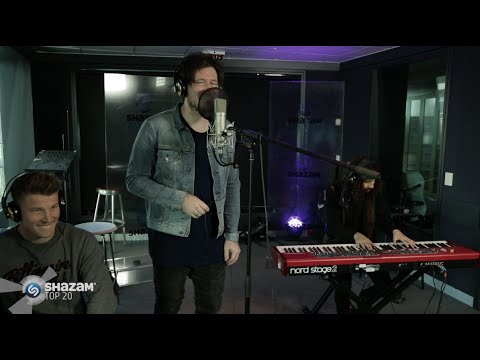 Jarryd James Performs 'Give Me Something' Feat Angus O'Loughlin!