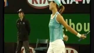 Crowd Laughing At Maria Sharapova And Shout SHUT UP!!