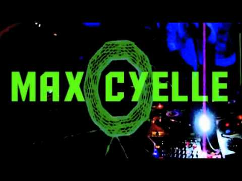 Max Cyelle @ HYPER 09042011  ZICKY il GIULLARE