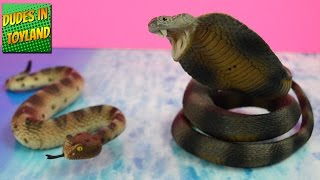 Safari Ltd Incredible Creatures Sidewinder Rattlesnake and cobra snakes toys videos for kids