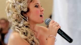 Очаровашка невеста _ сделала жениху сюрприз на свадьбе