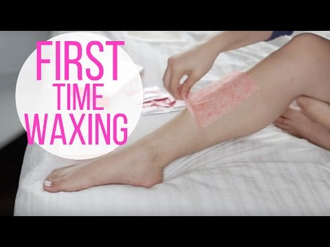 First Time Waxing Legs Vlog|  Nad\'s Ultra Smoothing Wax Strips | Solange Nicole