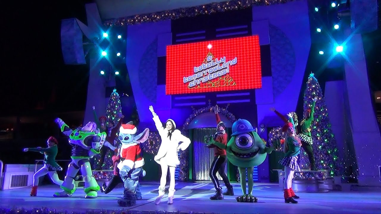 A Totally Tomorrowland Christmas Show At Mickey S Very