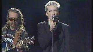 Eurythmics - You Have Placed A Chill In My Heart (Friday Night Live)