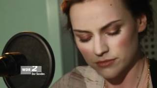 Amy Macdonald - Slow it down 4th of May 2012 (acoustic, live) WDR 2 Der Sender