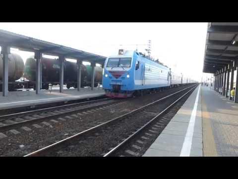 ЭП1М-663 с скорым поездом Анапа-Москва. Прибытие на станцию Кутейниково.
