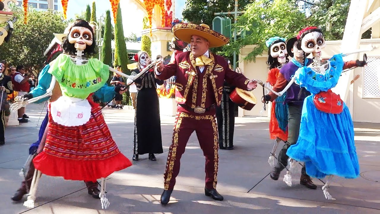 a musical celebration of coco full show at disneyland resort