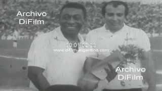 """DiFilm - Imagenes de Edson Arantes Do Nascimento """"Pele"""" 1965-1970"""