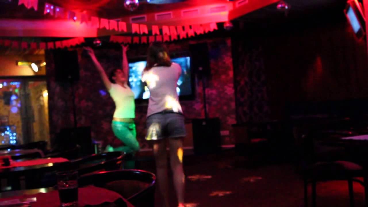 Что вытворяют девушки в ночных клубах видео