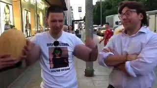 Кирилл Терешин и Малахов меряют руки базуки