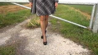 COUNTRYSIDE SEAMED BLACK STOCKINGS MOV
