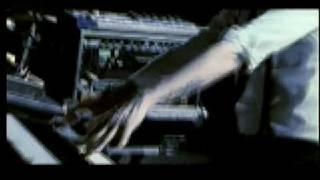 Kinky - Una Linea de Luz [Official Music Video]