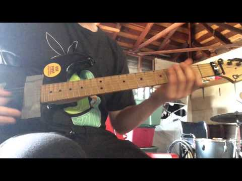 Download Youtube: PROOF that bass is easier than guitar