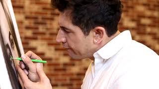 Андрей Джеджула рисует зелёные глаза своей любимой