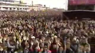 The Darkness - Rock am Ring 2006 - 04 -  Givin' Up