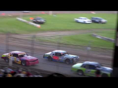Hobby Stock Heat 2 @ Upper Iowa Speedway 05/29/16
