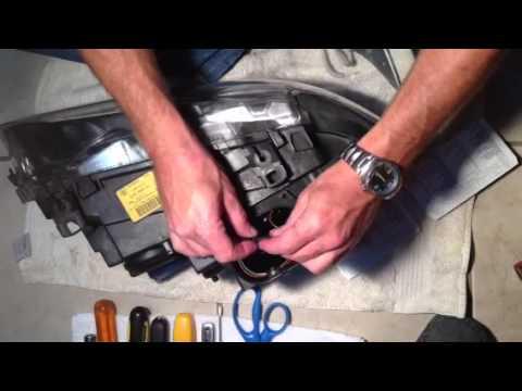 BMW E46 Headlight Troubleshoot Godsend - YouTube