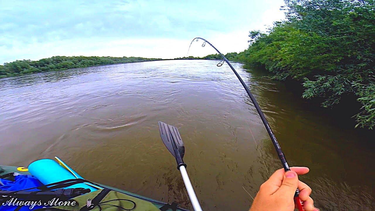 Рыбалка по высокой воде на нижней Волге. Трофей на ультралайт. Рыбалка с ночёвкой.