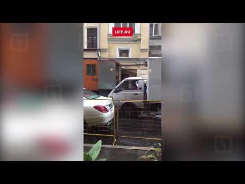 Видео с места заказного убийства бизнесмена Арсена Папазяна в Москве   Убийцу ищут