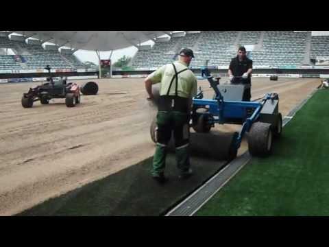 Stade Yves Du Manoir Pose Du Gazon Covergarden Sport Youtube