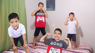 Head, Shoulders, Knees & Toes - Exercise Song for children - Playing with Rafael