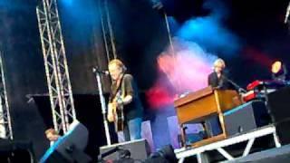 Ulf Lundell - Nästan ditt namn (Konsertfesten 2010, Norrporten Arena, Sundsvall 20100806)