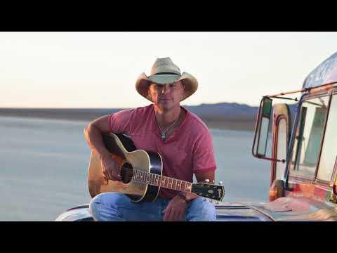 All The Pretty Girls - Kenny Chesney  (Lyric Video)