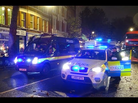 12 London Police Vans Rush To Scene