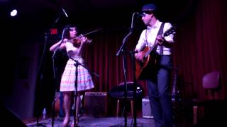 Carrie Rodriguez & Luke Jacobs - Never Gonna Be Your Bride