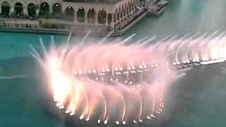 поющий фонтан в Дубае(хотел бы и я туда..., 2012-05-18T14:18:37.000Z)