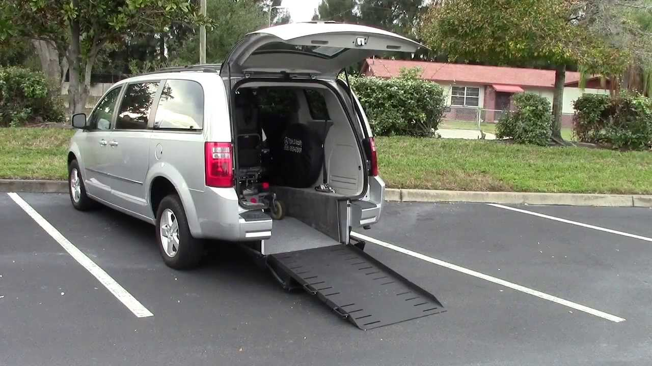 Rear Entry Accessible Wheelchair Vans Vs Side Entry