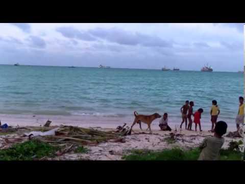 Kids On The Beach in Kiribati