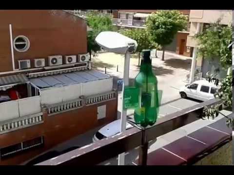 Como ahuyentar las paloma y pajaros de los balcones youtube for Ahuyentar palomas del balcon
