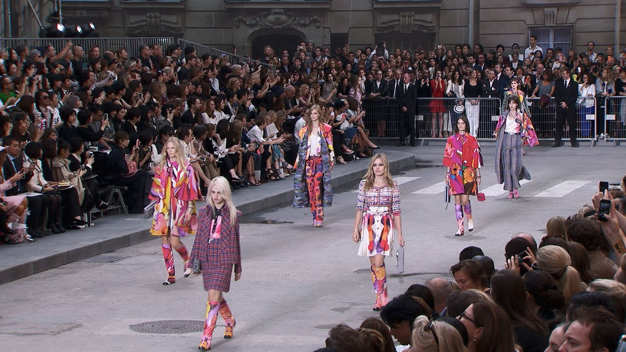 7c8d79c3c5 Spring-Summer 2015 Ready-to-Wear CHANEL Show - YouTube