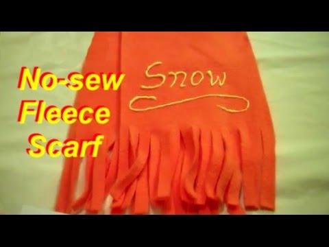 How to Make a No-Sew Fleece Scarf