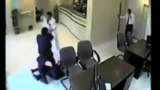 Охрана банка, схватка с охраником, как предотвратить ограбление!