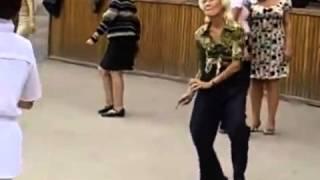 Дикие танцы пенсионеров :)